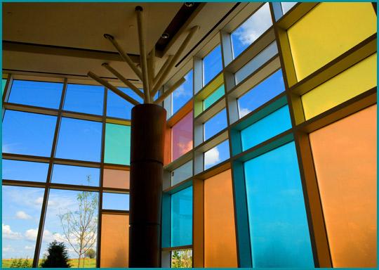 Descubre lo Nuevo en Puertas para Baños | Vidrios de color | Vitrales para Puertas| Espejos Decorativos| Herrajes y Acsesorios a Precios Economicos