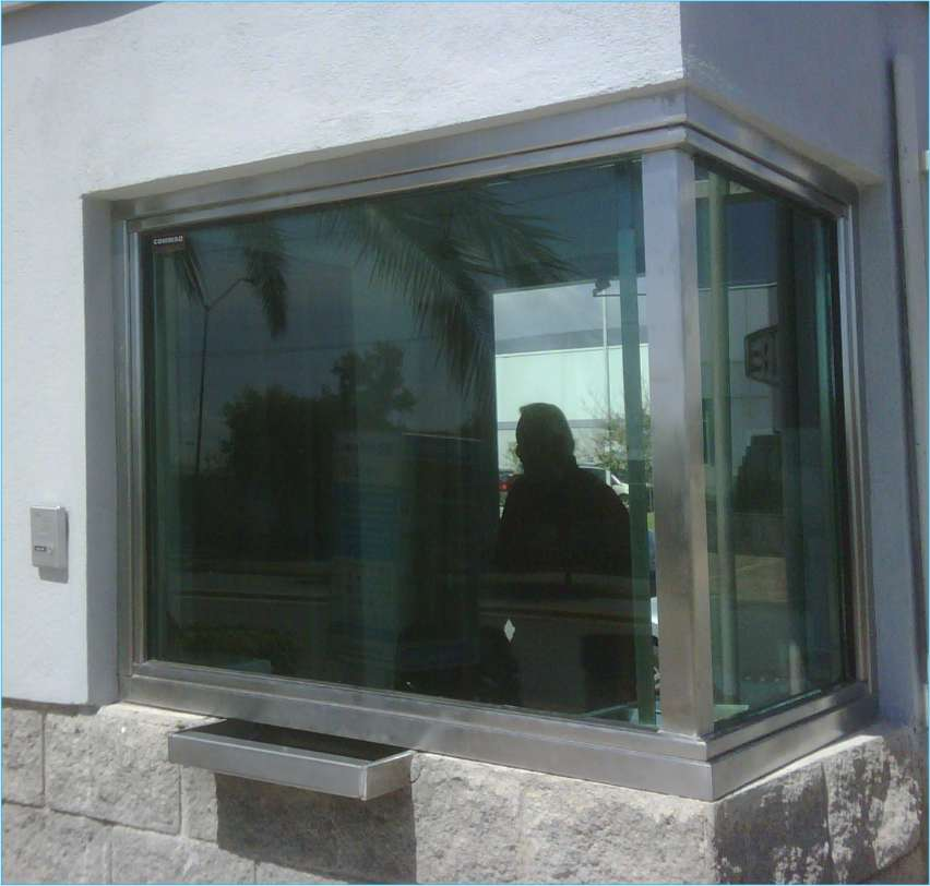 Vidrio blindado para casas puertas para ba o for Casas con puertas de vidrio
