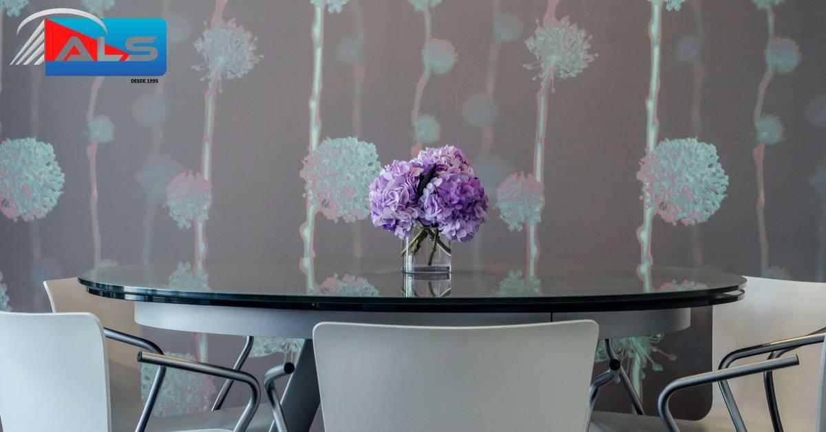 como se hace para que una mesa de comedor de vidrio templado con tapa o cubierta se vea bien