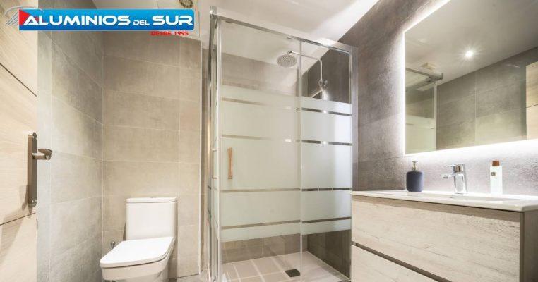 Por-qué-elegir-espejos-con-clases-modernas-para-la-decoración-en-superficies-de-paredes